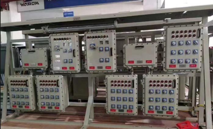 一批批新标准防爆电器在华荣防爆厂区陆续打包出发